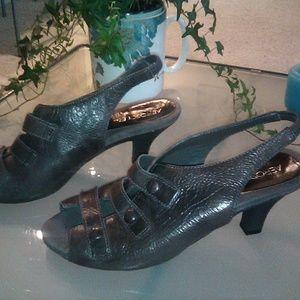 AEROSOLES bootie style heels, size 8.5